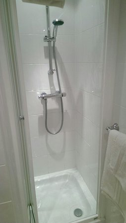 Best Western Bestwood Lodge Hotel: New clean Bathrooms