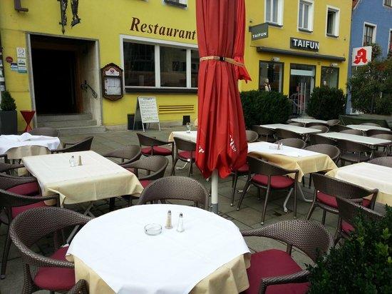 Hotel Lehmeier: Sitzbereich außen
