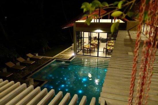 Arika Boutique Villa : Pool / Essbereich
