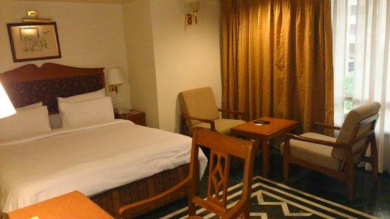 Sarovar Portico Ahmedabad: Room interior