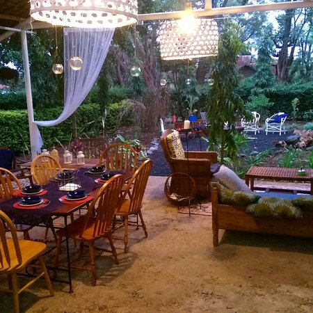 The Hibiscus Bed and Breakfast: Breakfast