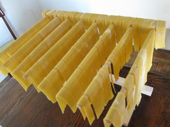 Mad About Tuscany: Home made tagliatelle
