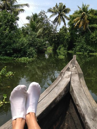 Breeze Backwater Homes: Feet up on the bow