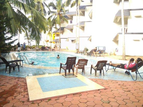 Pappukutty Beach Resort: Pool area