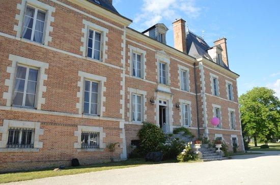 Chateau de Montbraye : Le châteaun