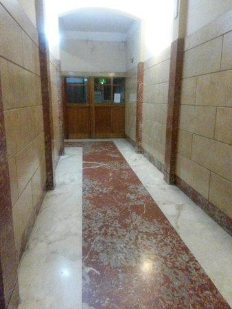 Santa Maria Inn: Entrée - couloir