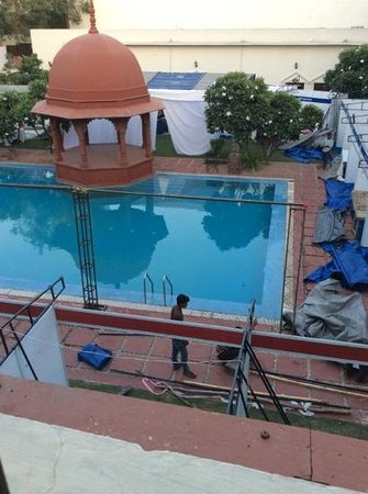 The Grand Imperial, Agra: the lovely pool.