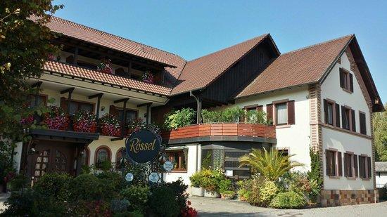 Gasthaus zum Rossel : External veiw front