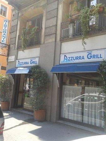 Azzurra Grill : vetrina angolare