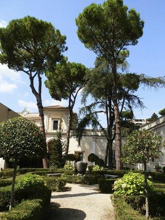 Museo Nazionale Etrusco di Villa Giulia : Gardens