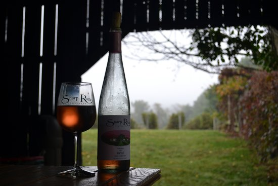 Sharp Rock Vineyards: Rosé