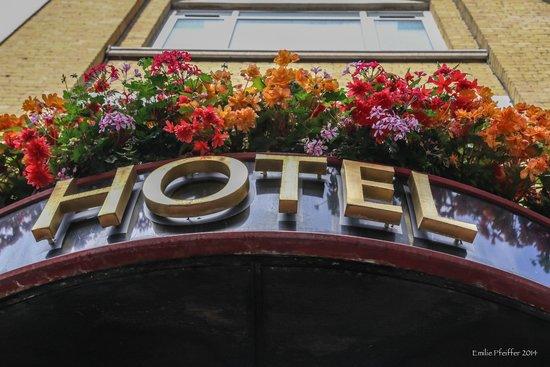 Chamberlain Hotel: Entrance