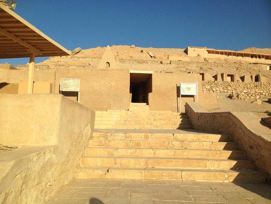 Valley of the Artisans (Deir el-Medina): Tomb of Sennedjem