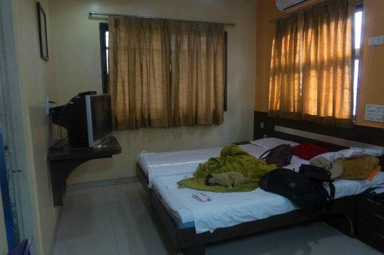 Hotel Mrunal Palace: Hotel room
