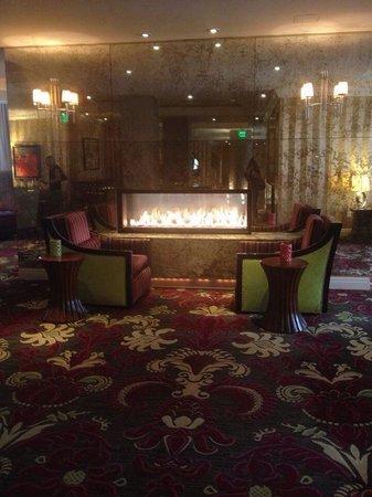 Monaco Baltimore, a Kimpton Hotel: Double sided fireplace