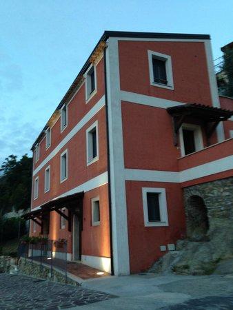 La Casa Rossa: Casa Rossa all'arrivo #3
