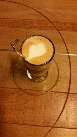 Il caffè macchiato fatto con amore