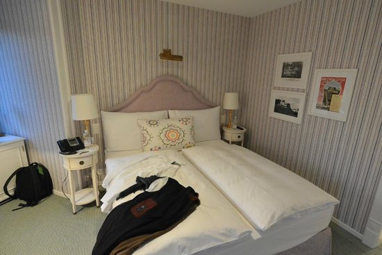 Very nice bedroom picture of hotel chateau guetsch for Really nice bedrooms
