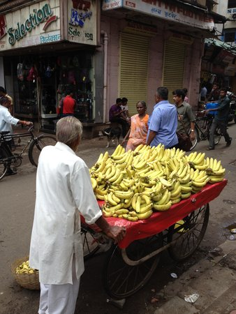 Colaba: get your bananas here