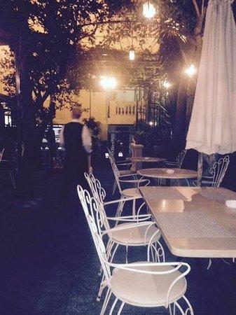La Zagara Bianca: lovely setting