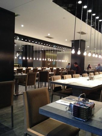 Restaurant TABLE: vue intérieur du resto