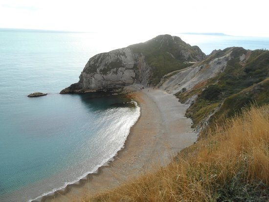 Lulworth Cove and Durdle Door: A nice bathing beach at Durdle