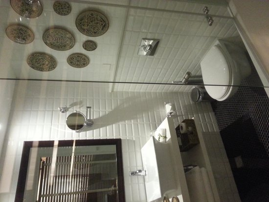Arthur Hotel Jerusalem - an Atlas Boutique Hotel: Bathroom