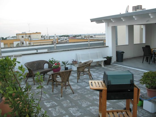 Terrazzo + pergolato attico indipendente - Foto di Mamà B&B, Lecce ...