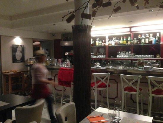 In Vino Port : Bar