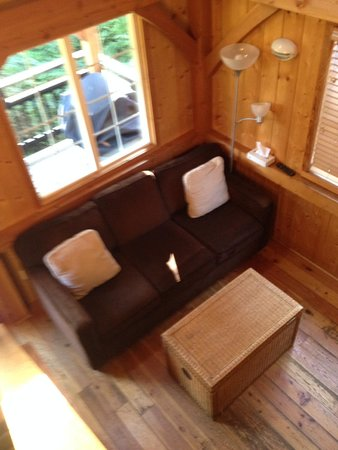 The Cabins at Terrace Beach: comfy couch