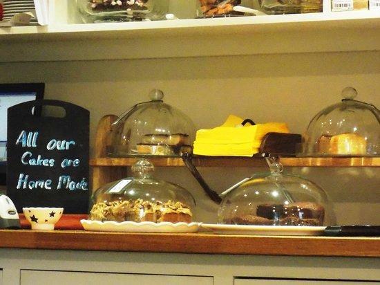 Fremington, UK : Inside Dales Bike Centre cafe - lovely home-made cakes