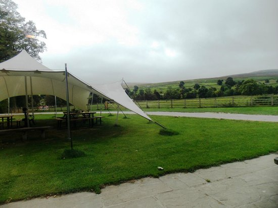 Fremington, UK : From cafe, looking to out-door canopy & Swaledale