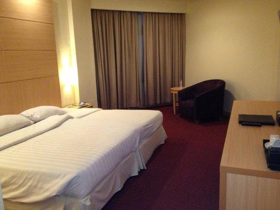 Horison Ultima Makassar Hotel: Bedroom