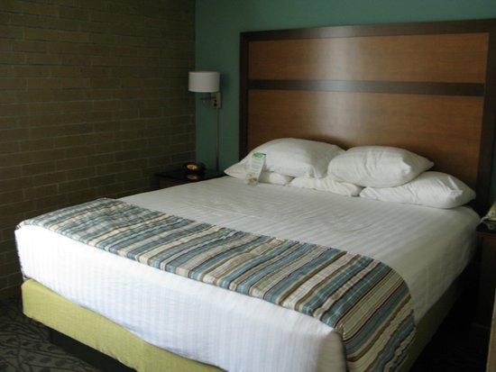 Drury Inn & Suites Atlanta Morrow: Bedroom