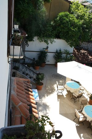 Dogan Hotel: Terrasse