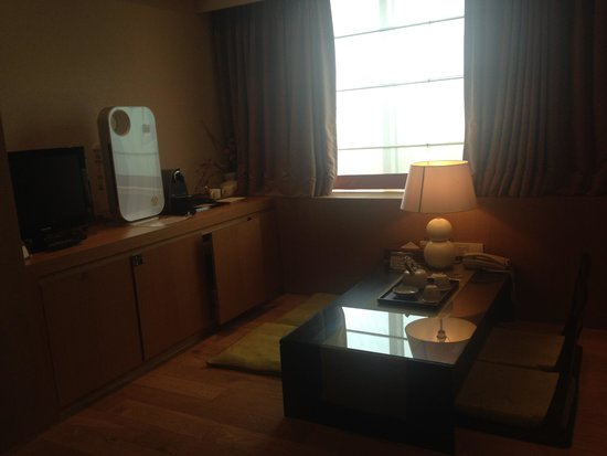 Hotel PJ Myeongdong: 담소를 나눌공간이있어요.
