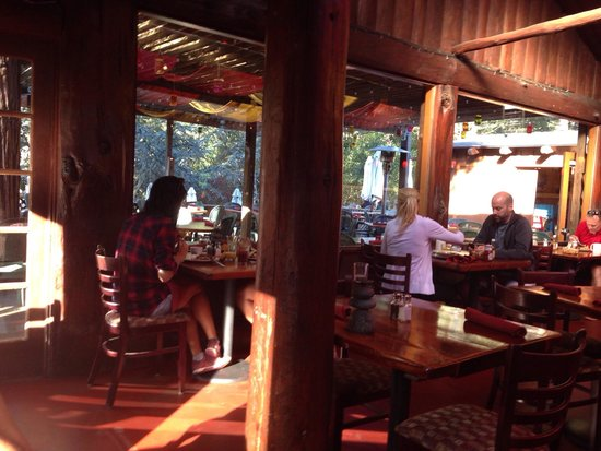 Big Sur River Inn Restaurant : Breakfast time