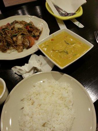 Spicy Basil: Yellow Chicken Curry & Spicy Chicken, Basil, Garlic, Chilli