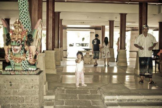 Hotel Santika Premiere Beach Resort Bali: lobby