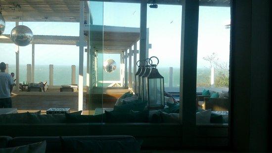 Brava Hotel: desde el hall del hotel, la vista al mar