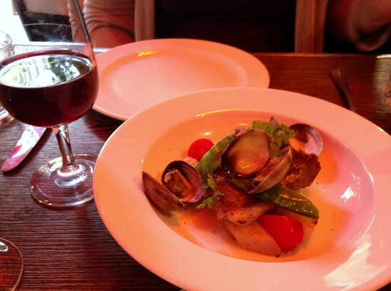 Philou: Lovely bistro near Canal St Martin