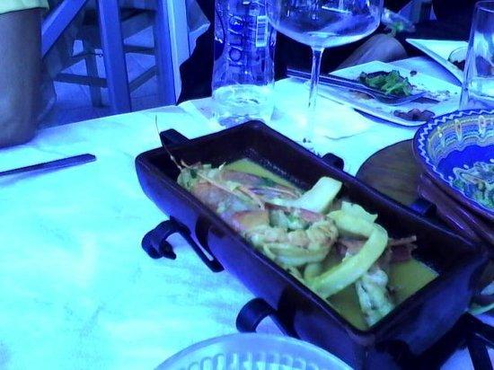 Meli & Thymari: Calamari Shrimps in ouzo sauce with saffron