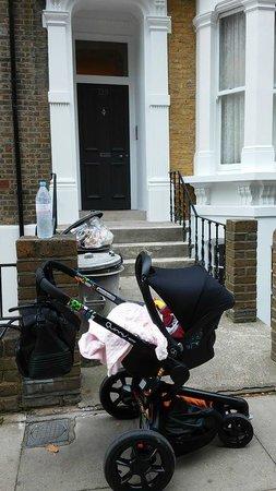 Lamington - Hammersmith Serviced Apartments: La entrada al apartamento