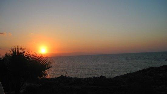 جيورجيا فيكي: Stimmungsvoller Sonnenuntergang auf dem Balkon
