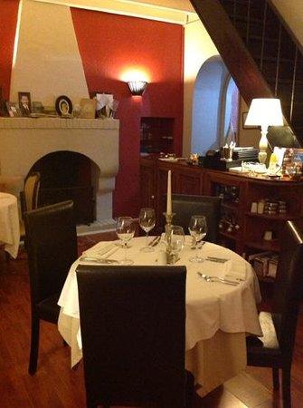 Evimiz: Restaurant Inside