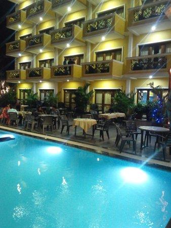 De Alturas Resort : View from the pool