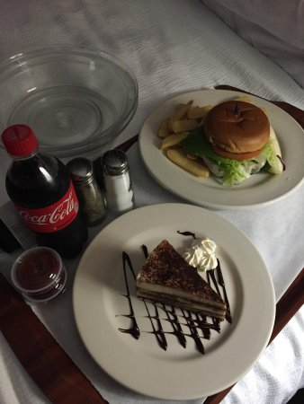 Holiday Inn Hotel & Suites Salt Lake City-Airport West: Angus Burger and Tiramisu dessert