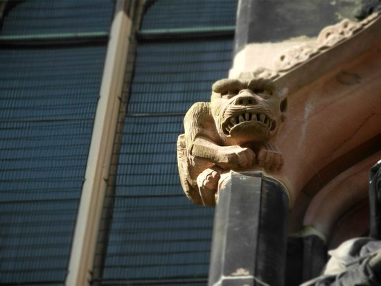 Lichfield Cathedral: Outside detail