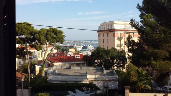 Hotel Albert 1er Cannes: The view from our room.
