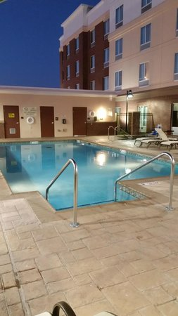 Hilton Garden Inn Lawton-Fort Sill: Pool and hot tub